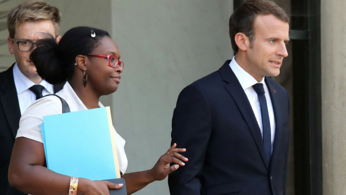 Macron appoints close allies in minor cabinet reshuffle