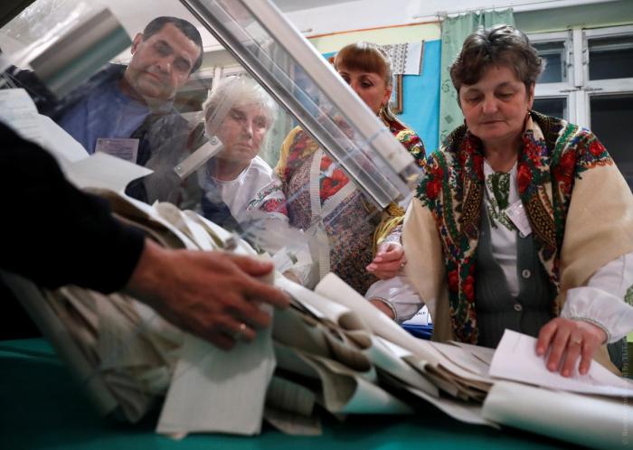 Nəticələr açıqlandı: Timoşenko ikinci tura keçə bilmədi