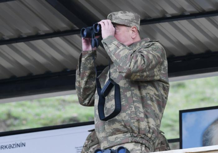 Prezident xüsusi təyinatlıların döyüş hazırlığını izlədi - VİDEO+FOTOLAR