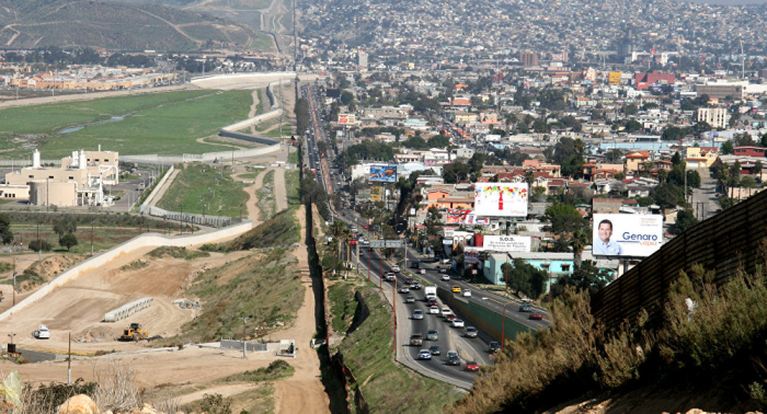 Some 450 miles of new US border wall expected completed by 2021