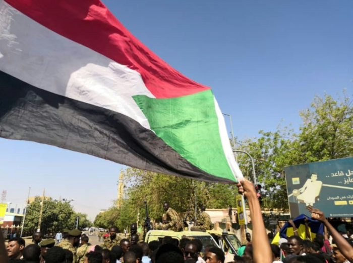 Sudan army deploys as protesters keep pressure on Bashir