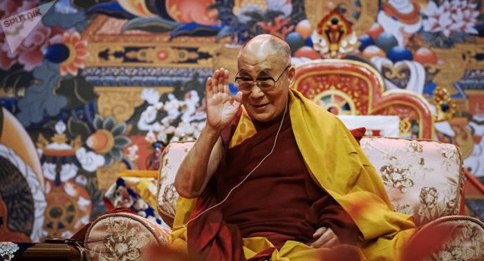 Was ist los? Dalai Lama ins Krankenhaus eingeliefert