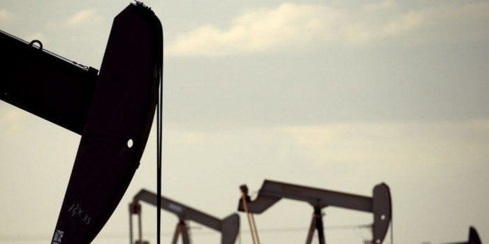 Global crude output falls in March
