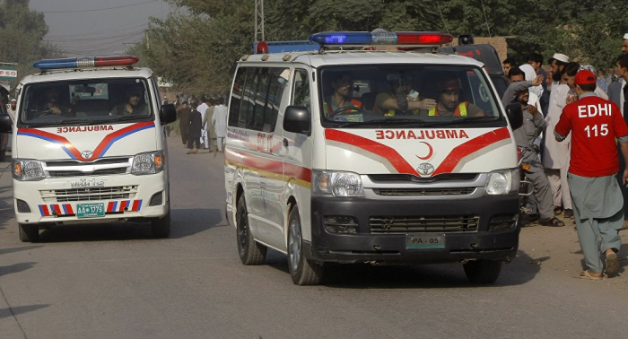 Pakistan: Bomb explodes at open-air market, killing at least 16