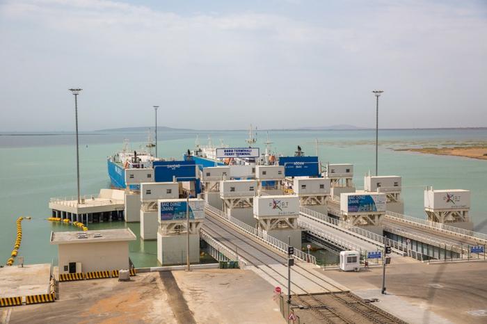 Bakı Limanı konteyner aşırılmasını 55 faiz artırıb