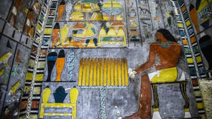 Descubren en Egipto una colorida tumba de 4300 años de antigüedad