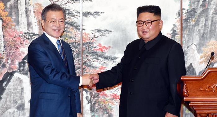 """Presidente surcoreano, dispuesto a reunirse con Kim Jong-un de nuevo """"en cualquier lugar"""""""