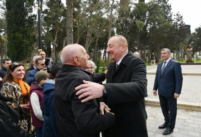 Prezident Qaraçuxurda sakinlərlə görüşdü - VİDEO+FOTOLAR