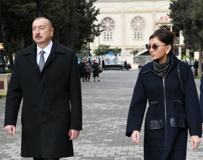Prezident birinci xanımla Neftçilər parkında - FOTOLAR