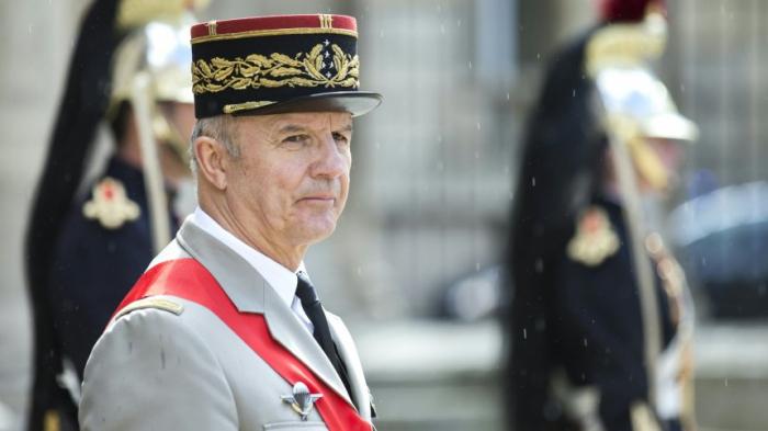 General Georgelin wird Monsieur Wiederaufbau