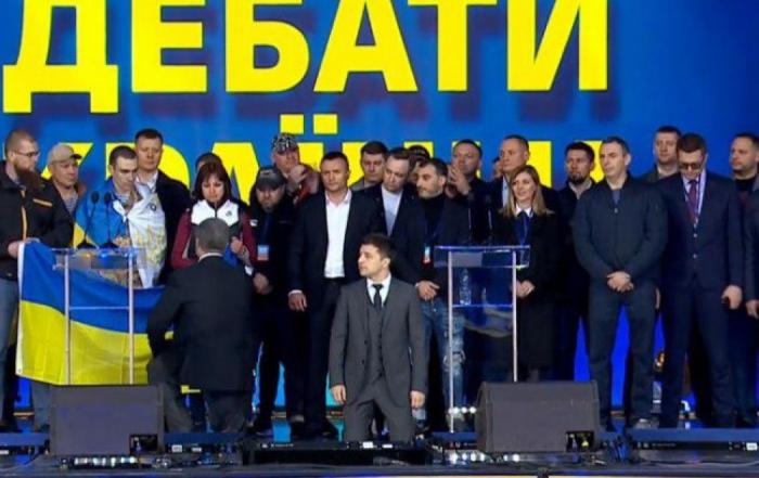 Poroşenko ilə Zelenski arasında gərgin debat - VİDEO