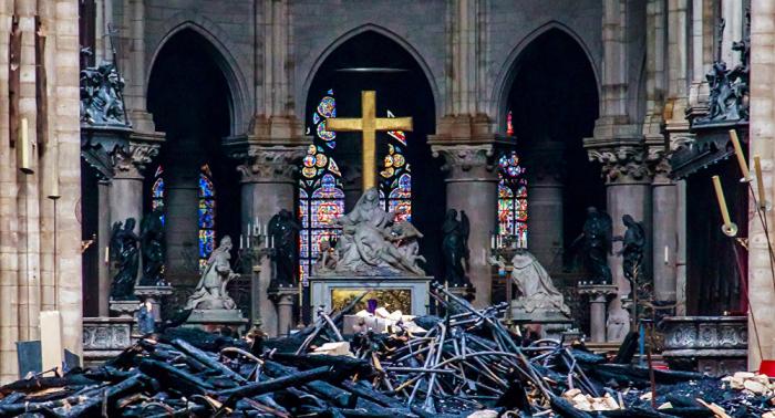 Notre-Dame: Feuer offenbar durch Kurzschluss verursacht