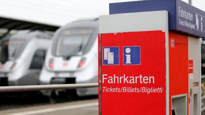 Umweltministerin Schulze hält nicht viel von billigeren Bahntickets