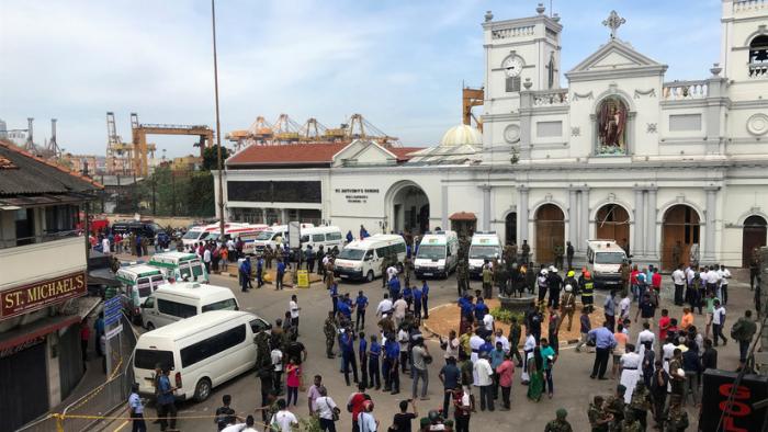 Sri Lanka:  Más de 180 muertos y al menos 500 heridos tras explosiones en 3 iglesias cristianas y 3 hoteles