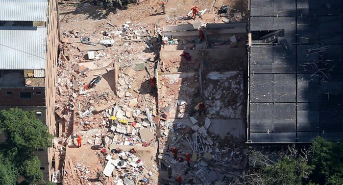 Sube a 22 el número de muertos tras derrumbe de edificios en Río de Janeiro