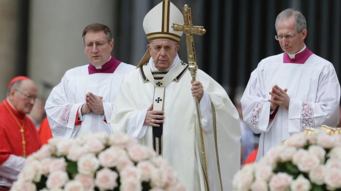 Papst Franziskus trauert mit Opfern in Sri Lanka