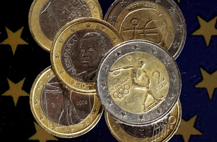 Italien und Griechenland erhöhen Verschuldung