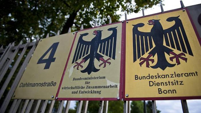 NRW fordert neuen Bonn-Vertrag