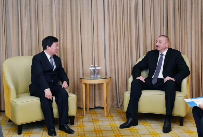 Presidente de Azerbaiyán mantiene una serie de reuniones en Pekín-  Actualizado