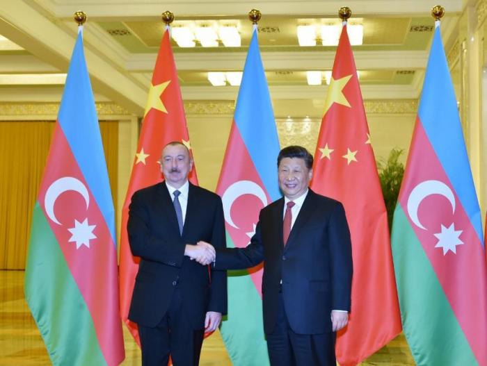 """Ilham Aliyev -  Aserbaidschan förderte aktiv das Projekt """"Ein Gürtel, eine Straße"""" im Rahmen der vorgeschlagenen Initiativen"""