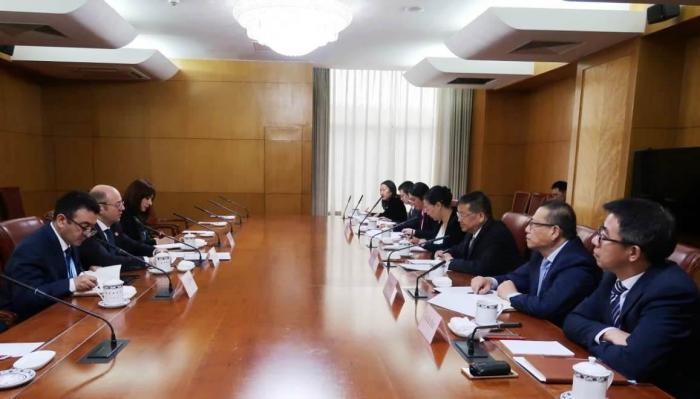 El ministro de Energía invita a empresarios chinos a Azerbaiyán