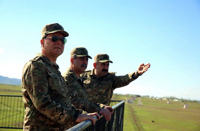 Azerbaijani defense minister watches live-fire training exercises -   PHOTOS+VIDEO