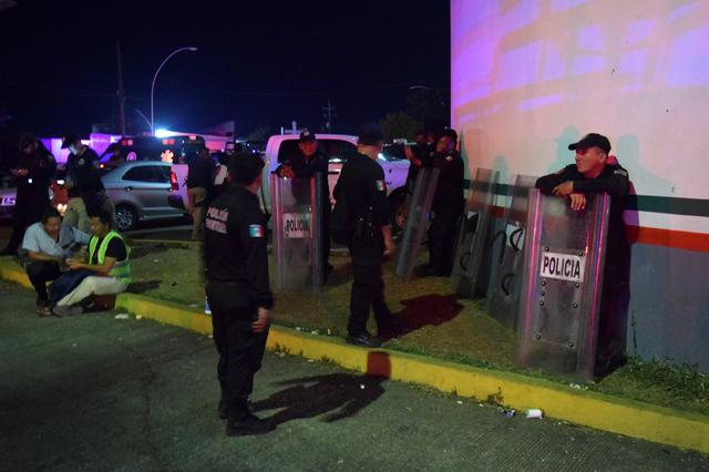 Over 1,000 migrants break out of southern Mexico detention centre