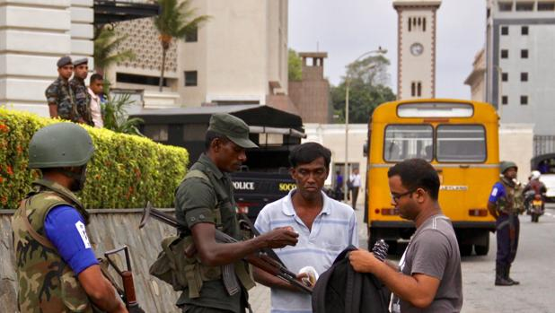 Sri Lanka rebaja en más de 100 personas las muertes que dejaron los atentados terroristas