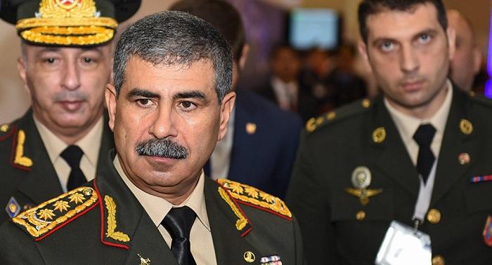 Ministro de Defensa de Azerbaiyan viaja a Turquía
