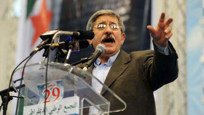Algérie:   le ministre des Finances et l
