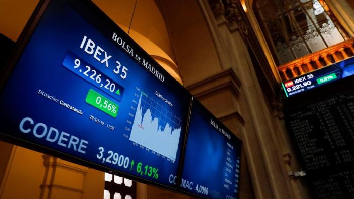 El Ibex 35 amplía ganancias a media sesión por China y Estados Unidos