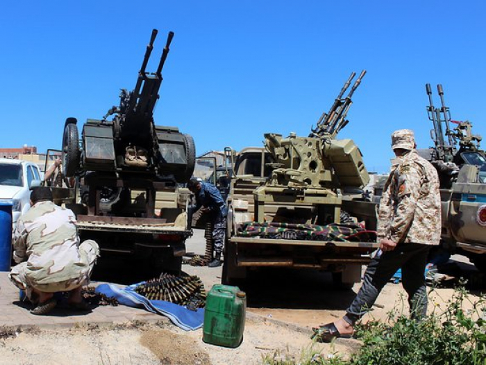 Libye:   au moins 2 civils tués dans des tirs de roquettes sur Tripoli