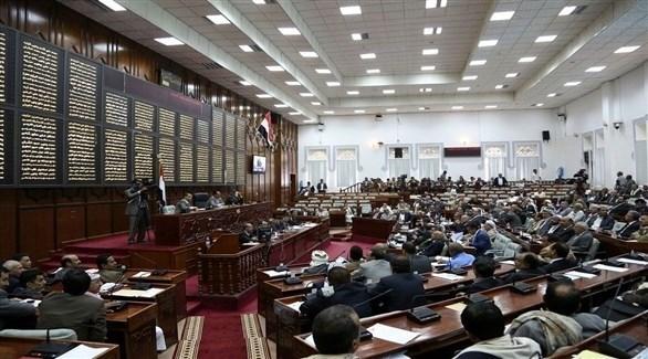 السفير الأمريكي لدى اليمن يشيد بتقدم العملية السياسية