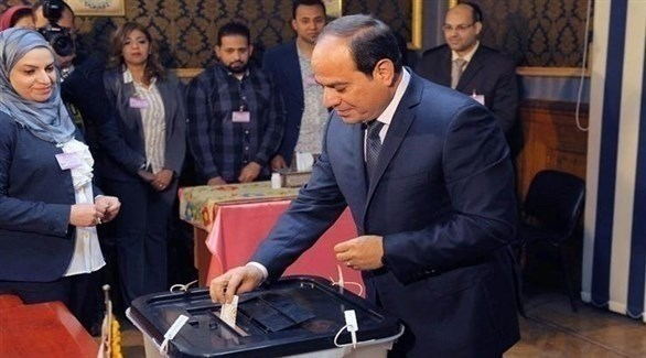 السيسي أول المصوتين على تعديل الدستور