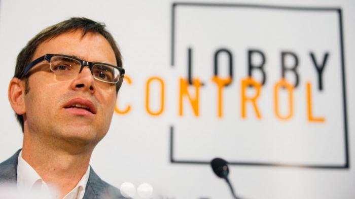 Lobbycontrol: Strengere Regeln für Wahlkampfhilfe