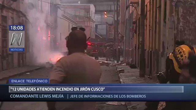 Perú: Se desata un enorme incendio en un almacén del casco antiguo de Lima (VIDEOS)