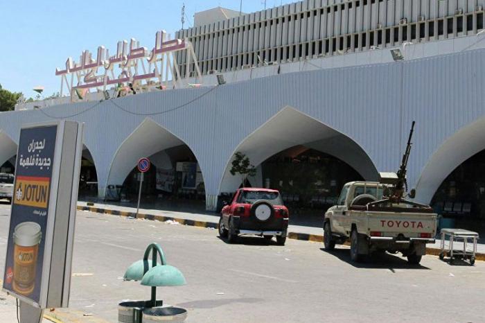 Tripoli hava limanı ələ keçirildi