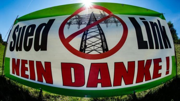 Proteste gegen umstrittene Stromtrasse Suedlink