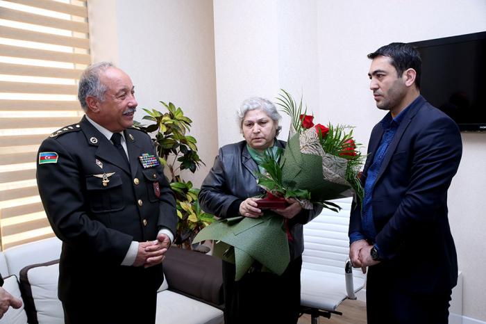 İgid döyüşçümüzə medal verildi - FOTO