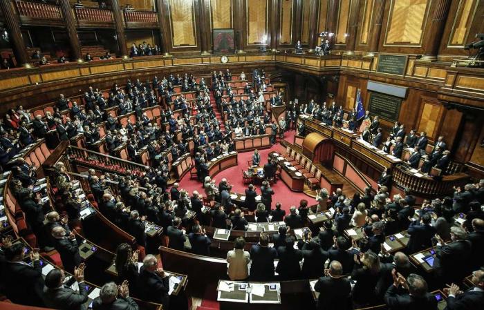 """İtaliya parlamentindən qalmaqal yaradacaq """"soyqırım"""" qərarı"""