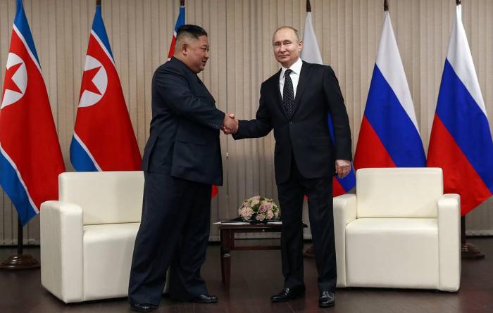 Dünyanın diqqəti Rusiyada: Putin Kimlə görüşdü - (VİDEO)