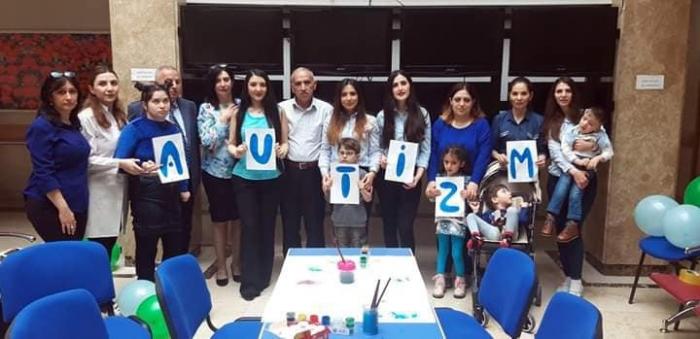 81 autizmli uşaq dövlət hesabına müalicə alır