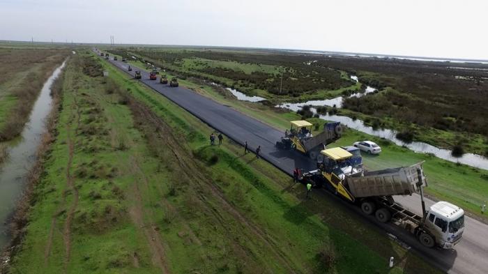 Salyan-Biləsuvar yolu yenidən qurulur