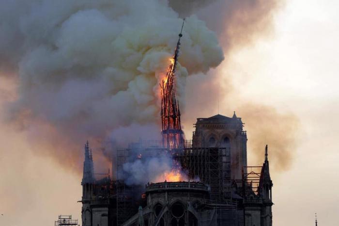 Parisin yanan simvolu: 856 yaşlı Notr-Damın tarixçəsi - FOTOLAR