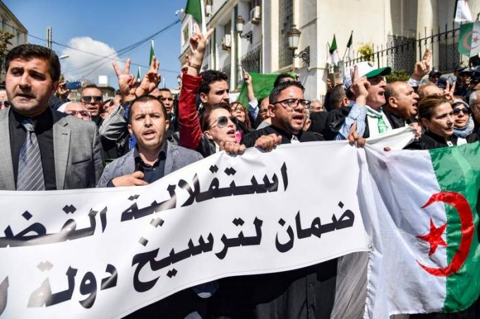 Algérie: libération de militants arrêtés en allant manifester