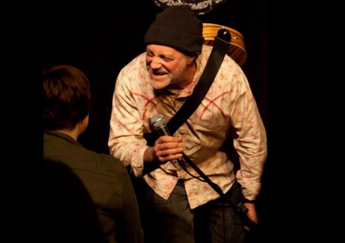 Le comédien Ian Cognito meurt sur scène sous les rires du public