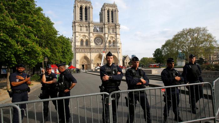 La Policía francesa anuncia la causa más probable del incendio en la Catedral de Notre Dame