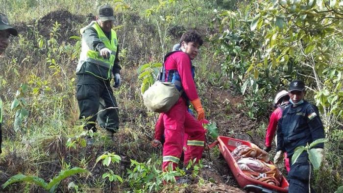 Al menos 25 muertos al caer un autobús por un barranco en Bolivia