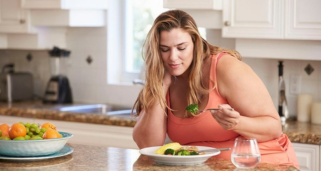 Obesity increases cancer risk  , especially for women, expert warns