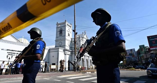 Sri Lanka Air Force defuse   bomb near Colombo airport